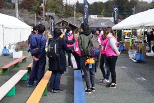 震災復興元気市に本学学生・教職員が多数参加