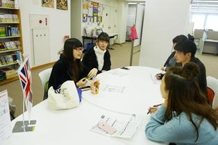 20180124海外語学演習体験報告会の様子1.JPG