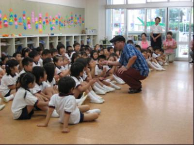 20100827幼稚園#02.png 第一幼稚園でNHK教育テレビ「みいつけた!」の撮影が行われ