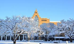 駿河台大学雪景色.jpg